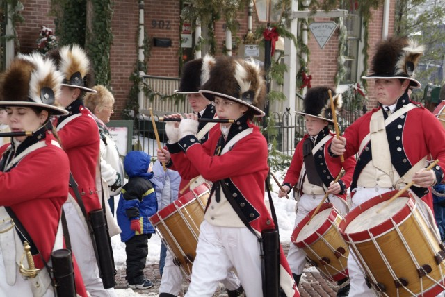 Christmas Traditions and Santa's North Pole Dash in Downtown St. Charles
