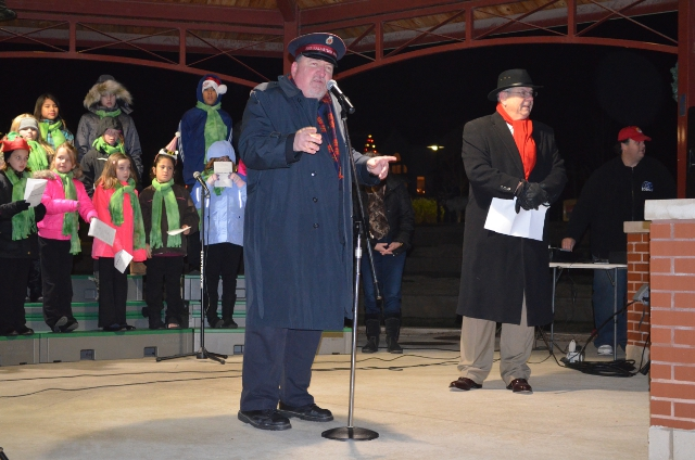Major Ferguson and Dardenne Prairie Mayor Zucker kick off the Tree Lighting Ceremony on Saturday evening, November 21st, 2015